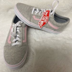 NWT! Vans women's pink grey original shoes